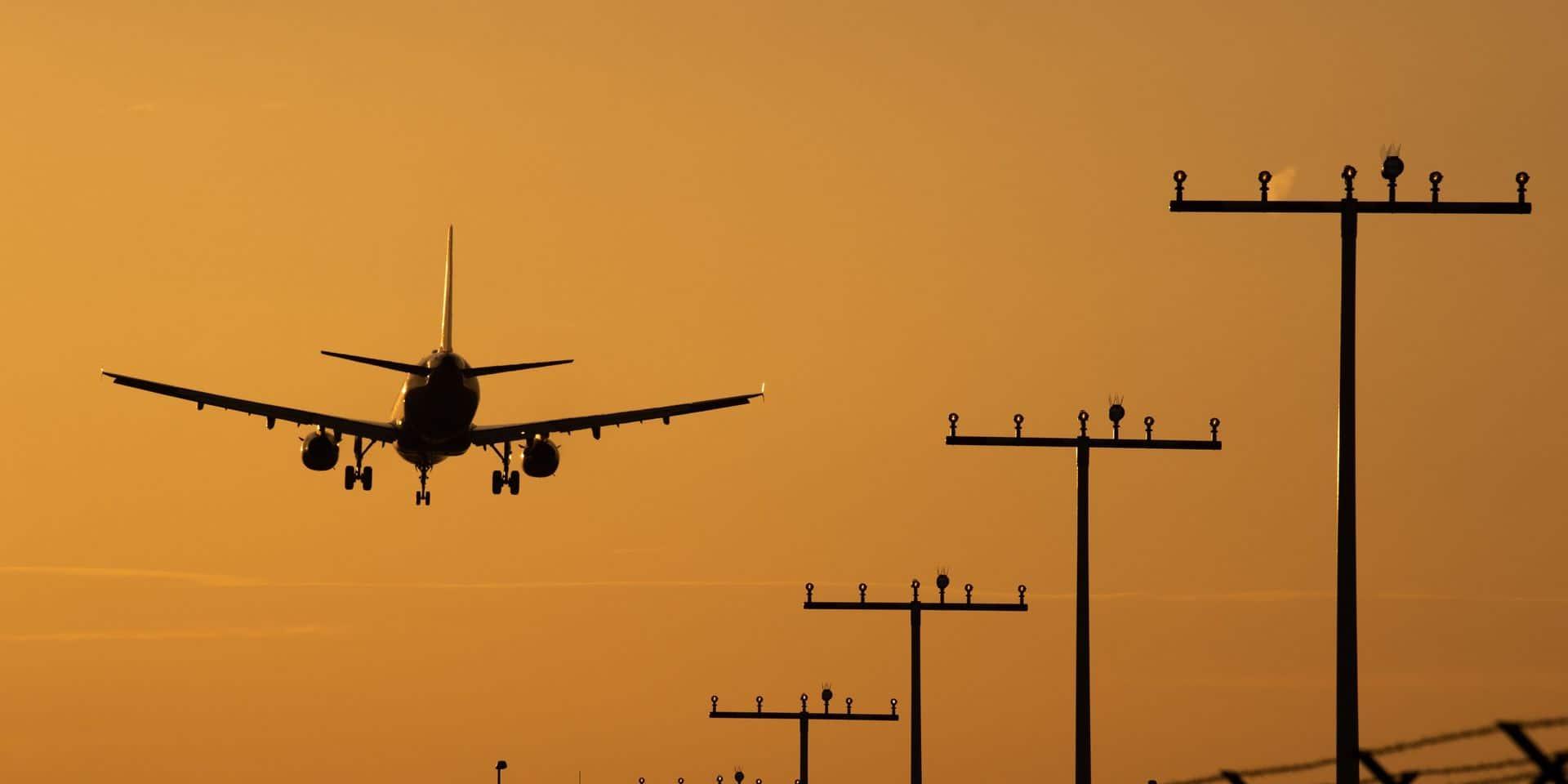 CLASSE ECO: 4.600 Boeing 737 MAX toujours pas livrés, un jour historique pour l'aéronautique belge et un mécanicien soupçonné de sabotage