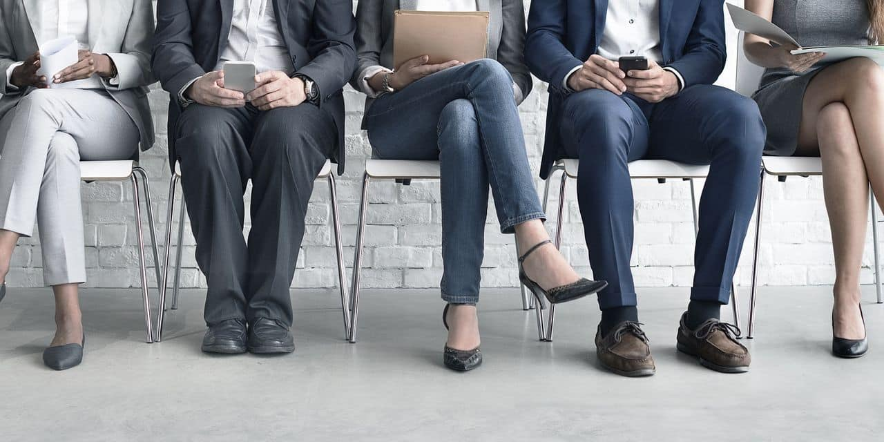 Les offres d'emploi en recul de plus de 40%