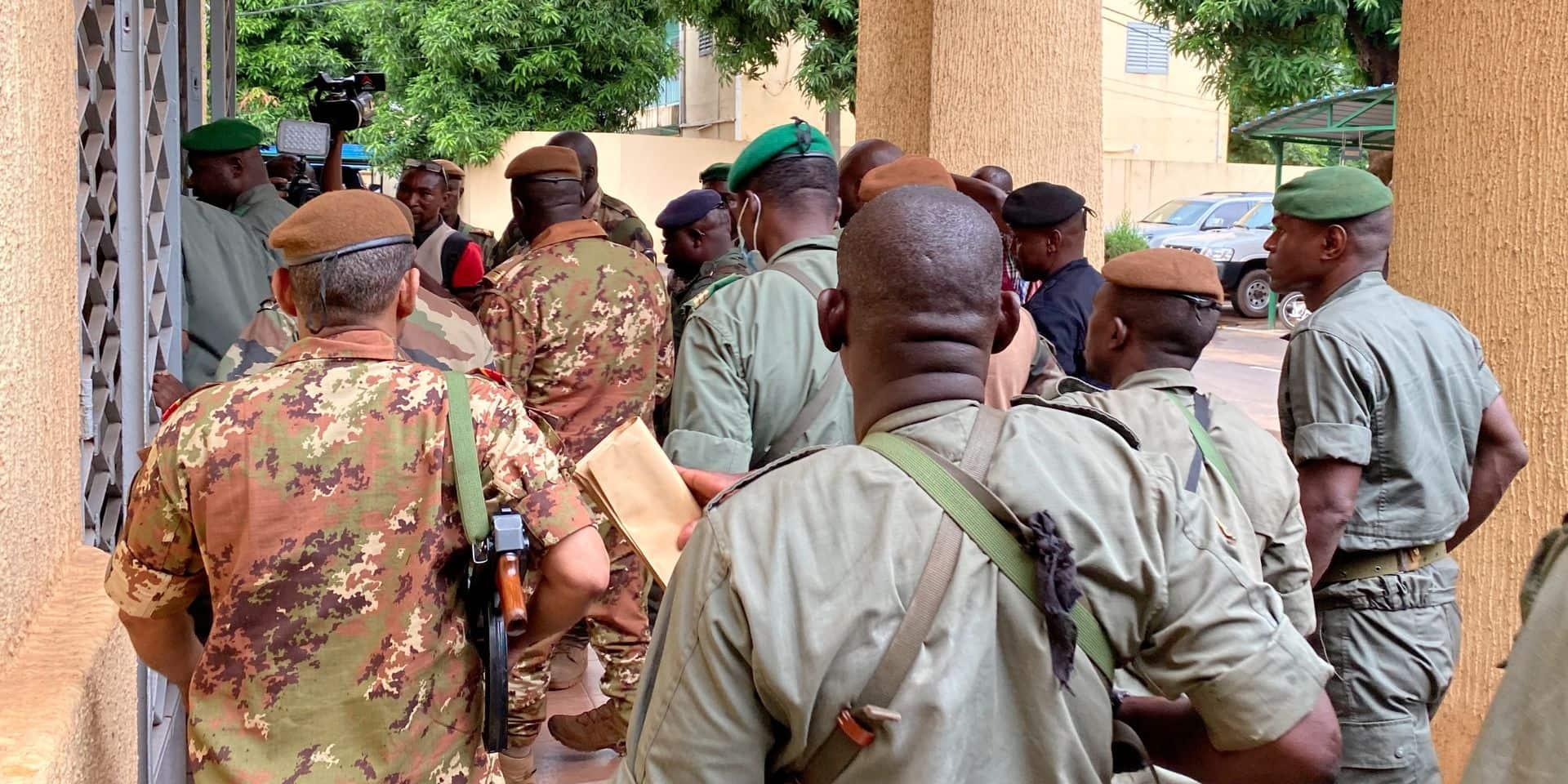 Coup d'État au Mali: le colonel Assimi Goita déclare être à la ...