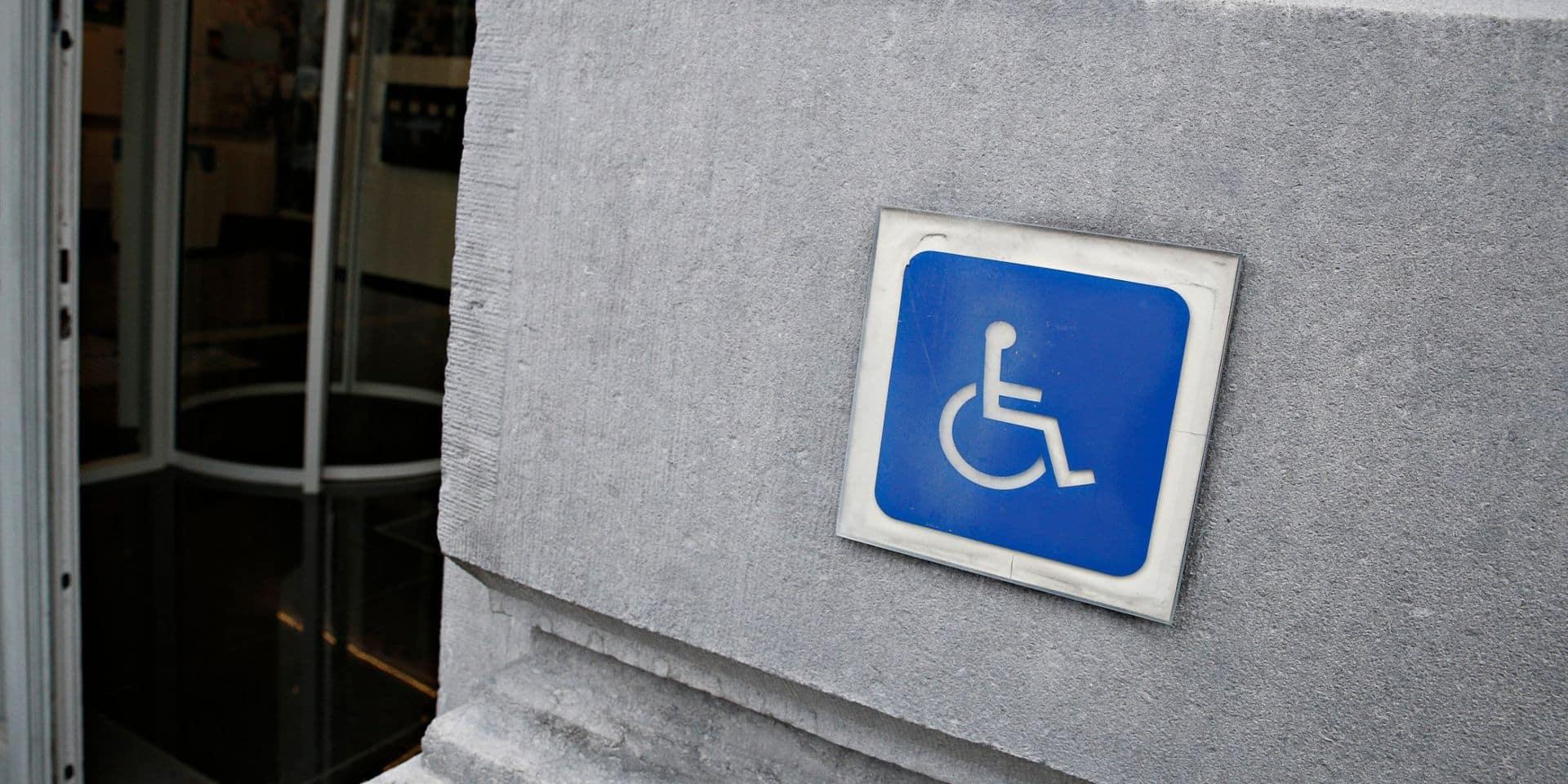 Seules trois communes bruxelloises respectent le quota de personnel handicapé