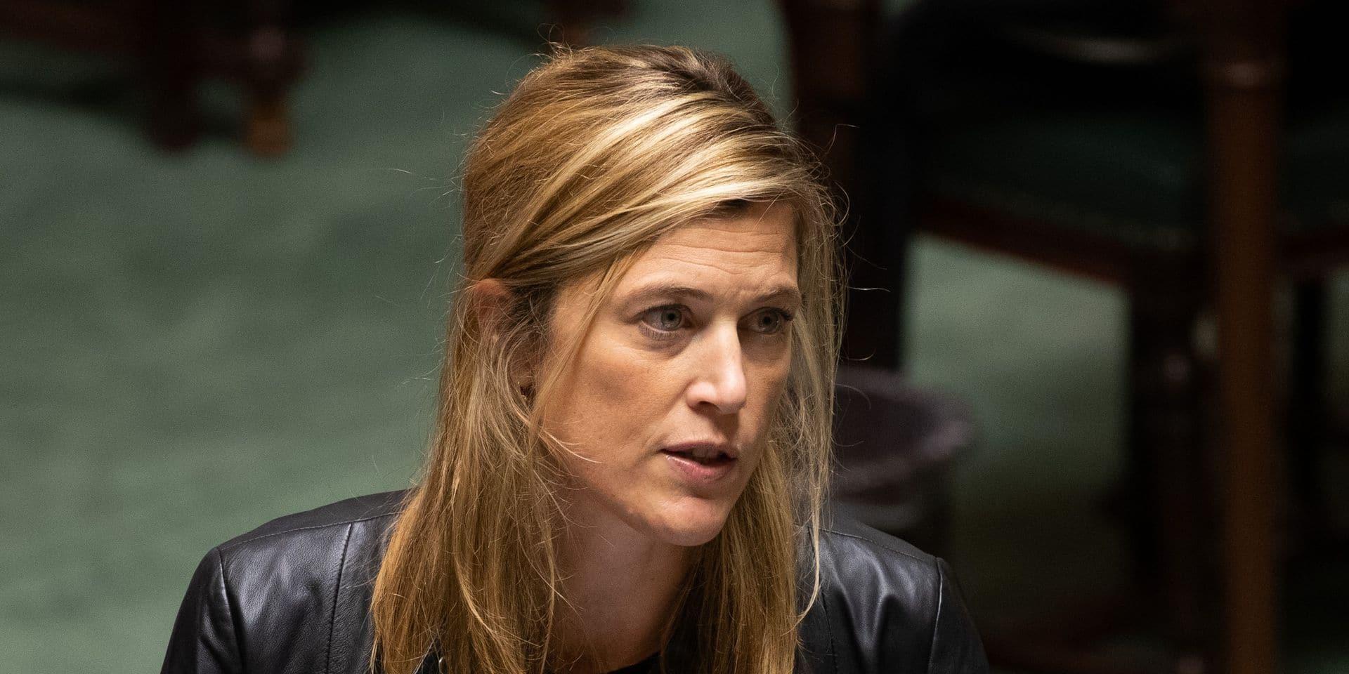 """Annelies Verlinden condamne le voyage de Van Langenhove à Paris: """"En tant qu'élu, il doit aussi se conformer aux mesures"""""""