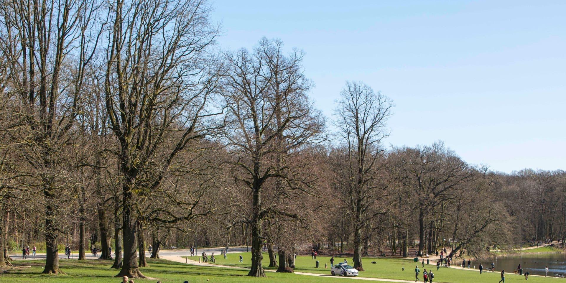 Des centaines de cyclistes réunis au Bois de la Cambre pour davantage d'assouplissements
