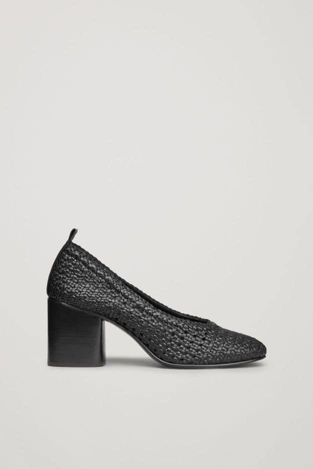 Escarpins en cuir tressé, COS, 135€
