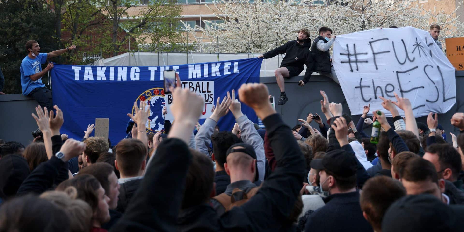Super Ligue: la réaction des supporters de Chelsea après la volte-face du club londonien