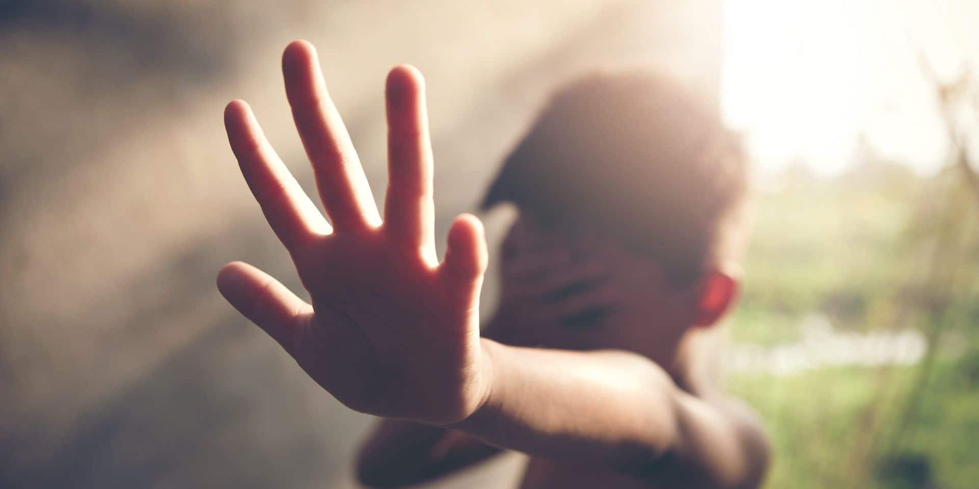 """Les signalements d'enfants maltraités en hausse: """"Dans certaines régions, les demandes explosent"""""""