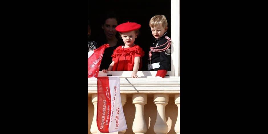 La famille princière de Monaco au balcon du palais lors de la Fête nationale monégasque à Monaco