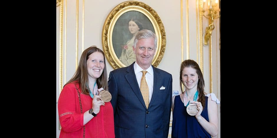 King Philippe - Filip of Belgium (C) poses with paralympian athlete Eleonor (L) Sana and her sister Chloe (R) prior an audience with the winner of a bronze medal at the Paralympic Winter Games, Monday 07 May 2018 in Brussels. The Winter Paralympics took place in Pyeongchang, South-Korea from 09 to 18 March 2018. BELGA PHOTO BENOIT DOPPAGNE