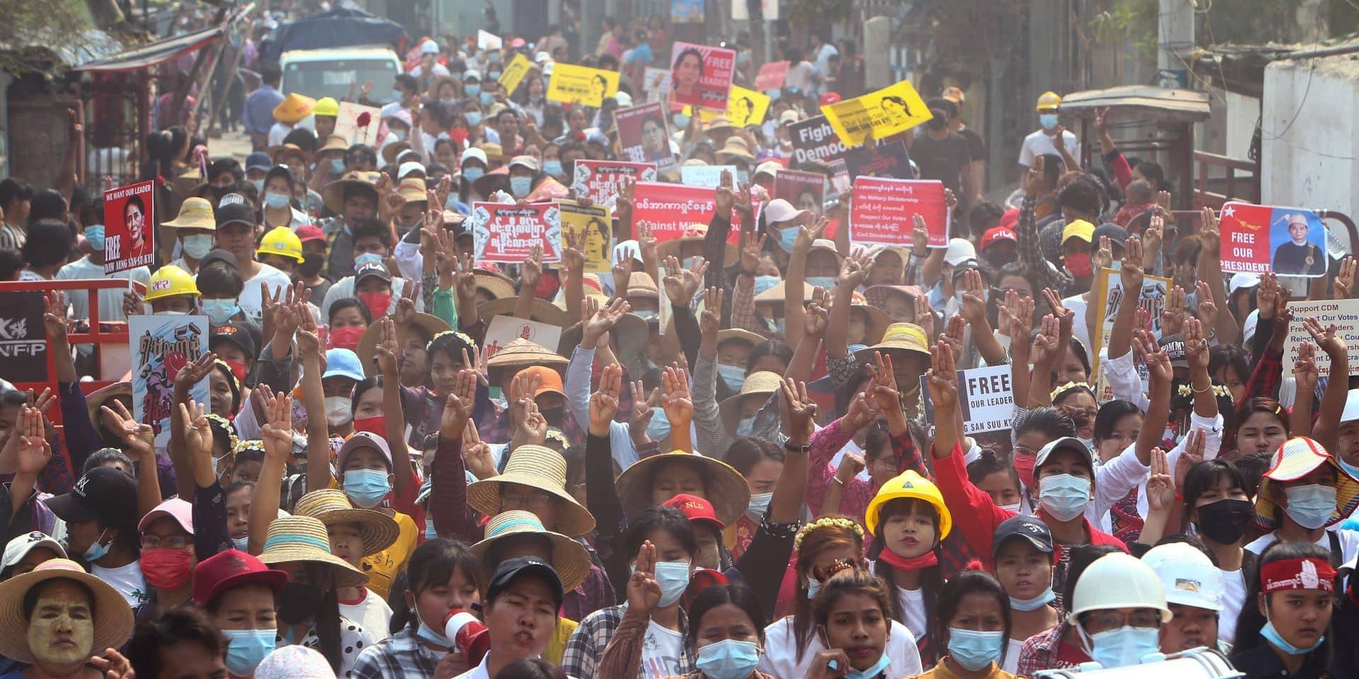 Birmanie: 3 manifestants tués, magasins et usines fermés après l'appel à la grève générale