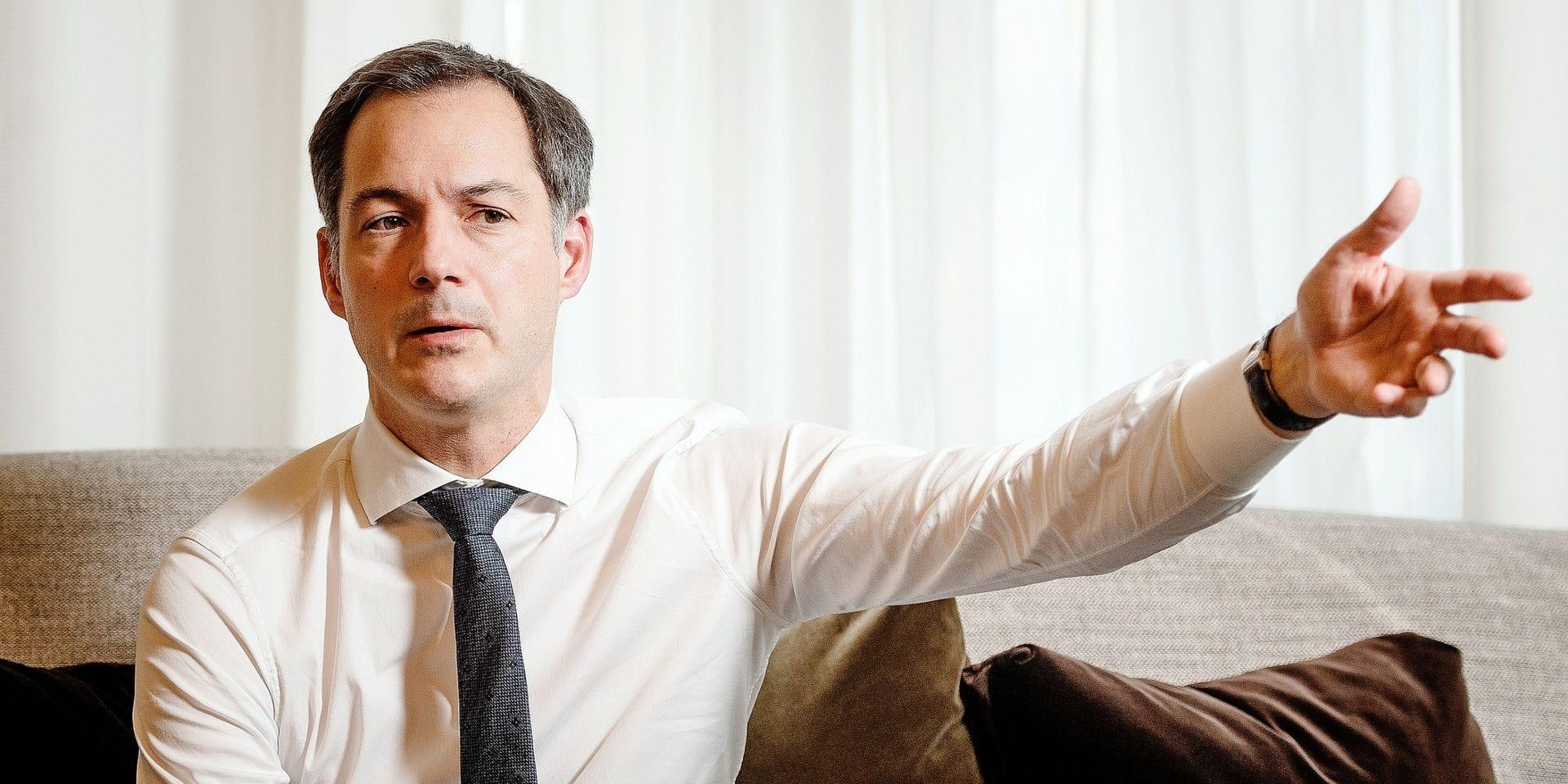 """Alexander De Croo : """"Le marathon sanitaire durera au minimum jusqu'à l'été 2021"""""""