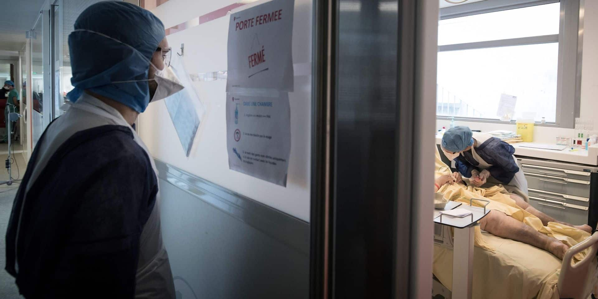 """Les médecins tirent la sonnette d'alarme en Ile-de-France où le virus circule """"plus intensément que lors de la première vague"""""""