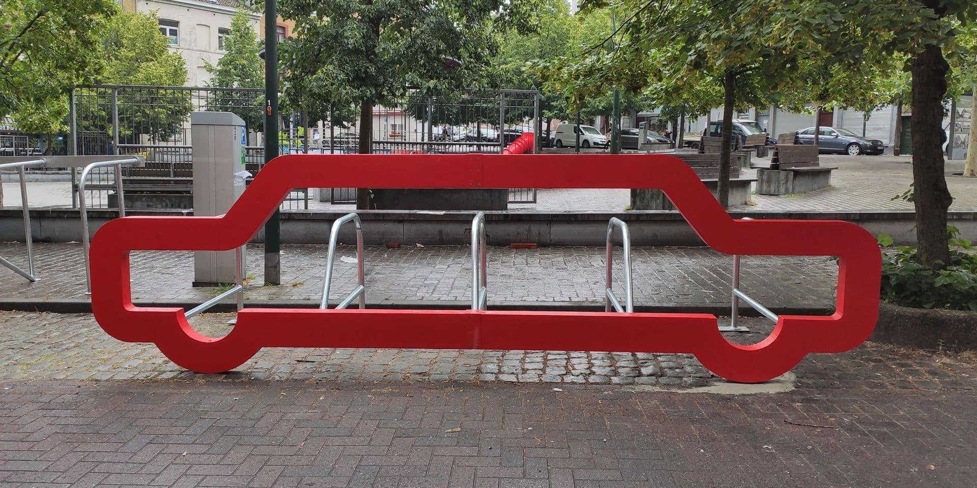 Saint-Gilles : Des voitures-arceaux ont fait leur apparition dans l'espace public