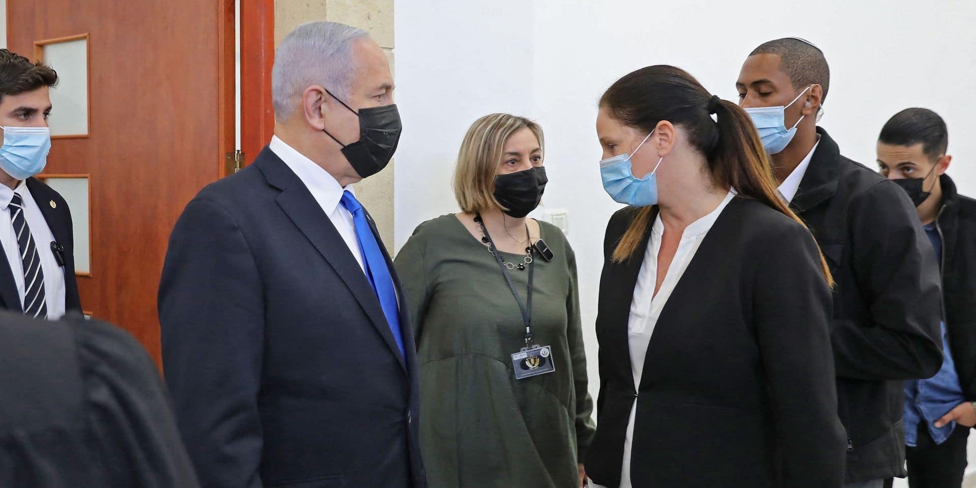 """Israël: Netanyahu accusé d'usage """"illégitime"""" du pouvoir à la reprise de son procès"""