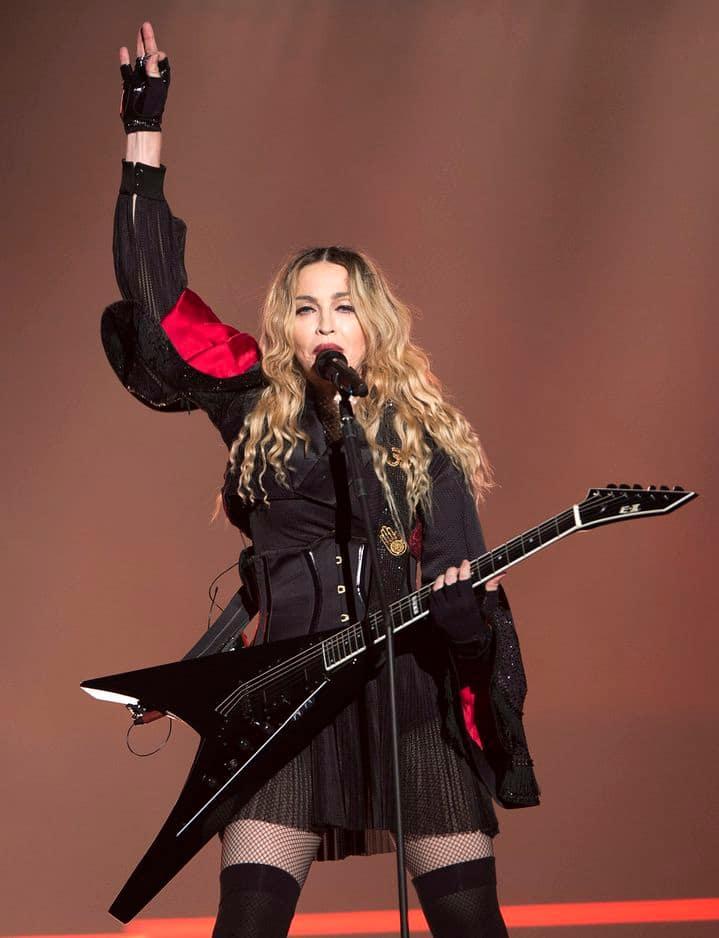Sur scène à Montréal en 2015.