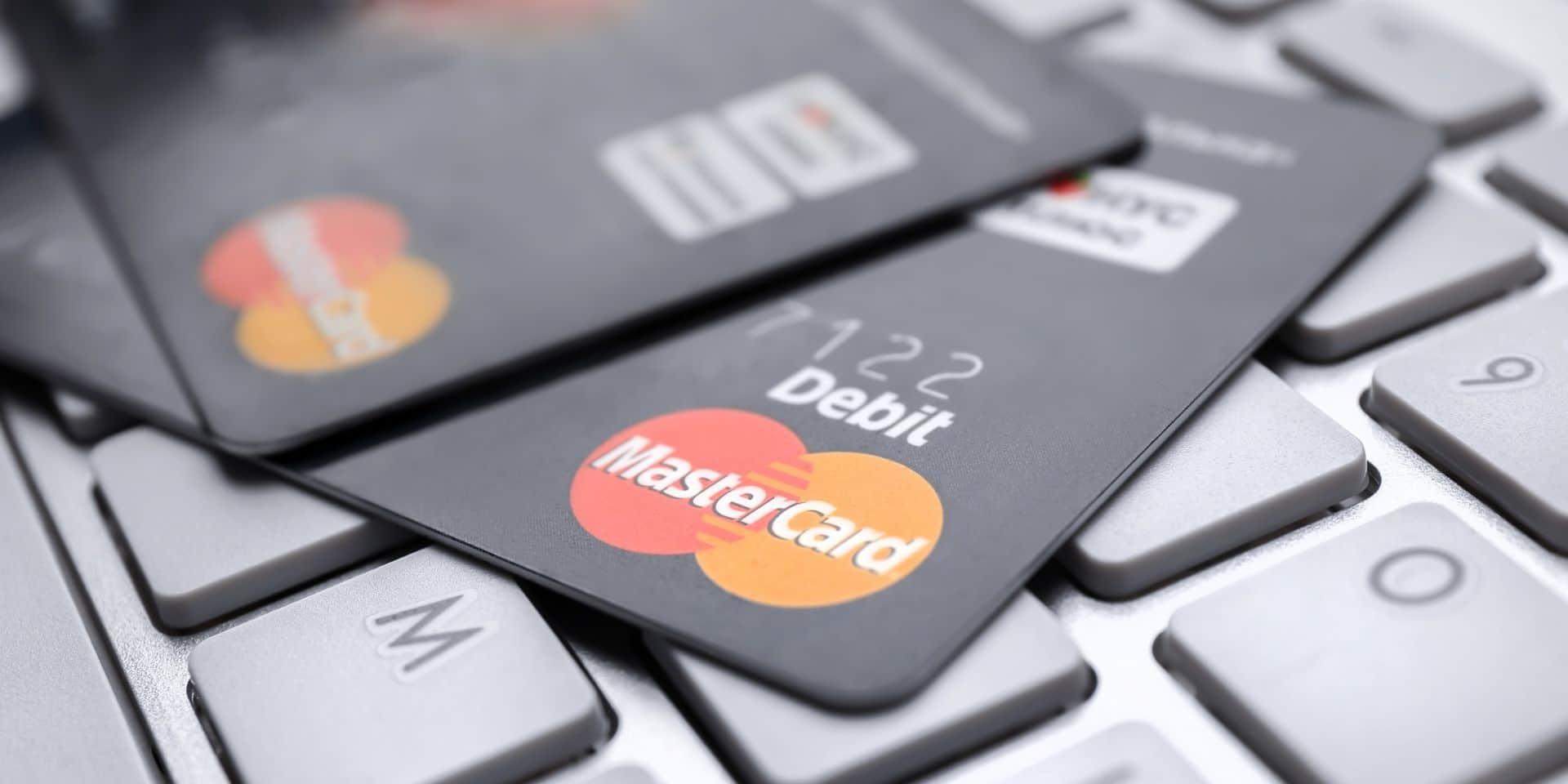 Quelle carte de crédit choisir ? Des solutions gratuites existent...