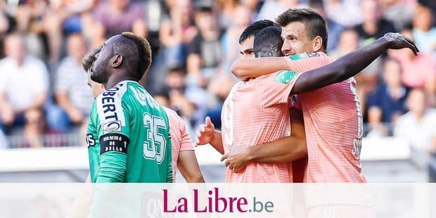 Anderlecht's Landry Dimata, Anderlecht's Ivan Santini celebrate as 08 Charleroi's Francisco Javier Martos scores an own goal during and the Jupiler Pro League match between Sporting Charleroi and RSC Anderlecht, in Charleroi, Sunday 12 August 2018, on the third day of the Jupiler Pro League, the Belgian soccer championship season 2018-2019. BELGA PHOTO LAURIE DIEFFEMBACQ