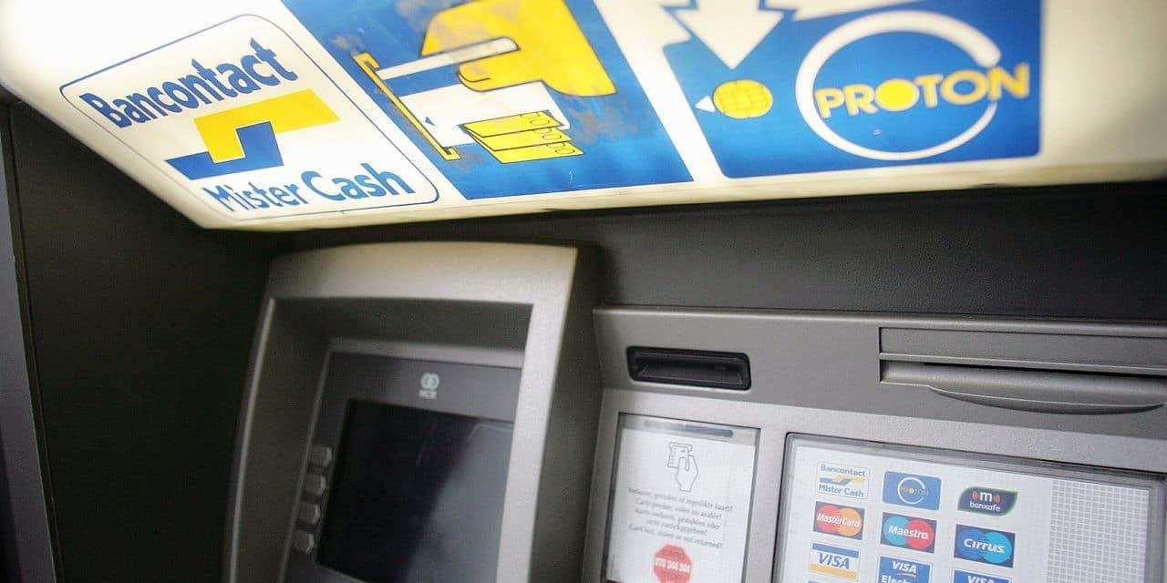 Distributeur / Bancontact / MisterCash