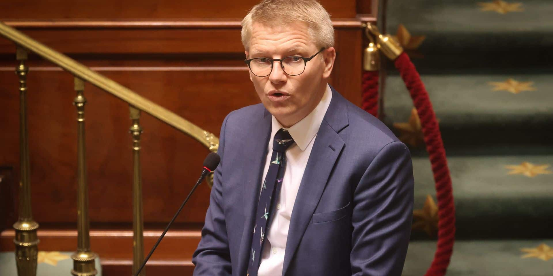"""Le gouvernement wallon se positionne sur le dossier polémique des guichets : """"La décision de la SNCB nous préoccupe"""""""